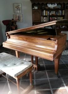 grannys-piano